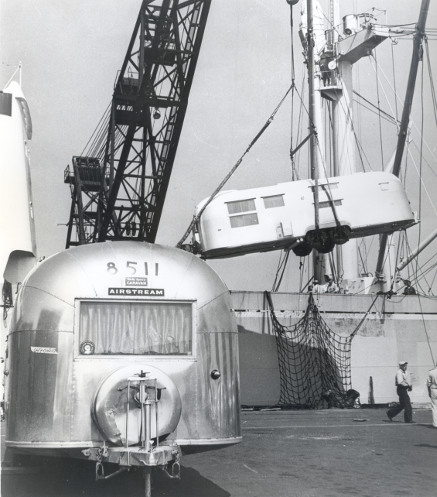 loading-airstreams-inline
