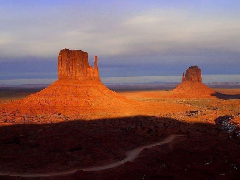 Flagstaff, Arizona (via U.S. Route 66)