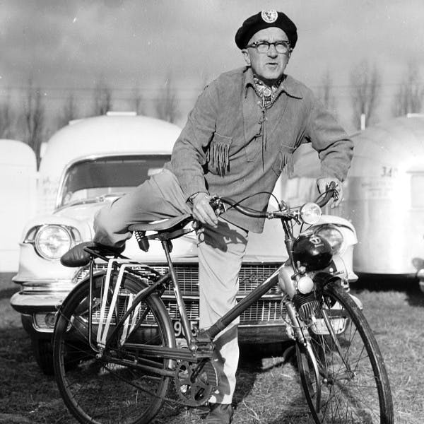 wally-bicycle-france-europe-1956-feat