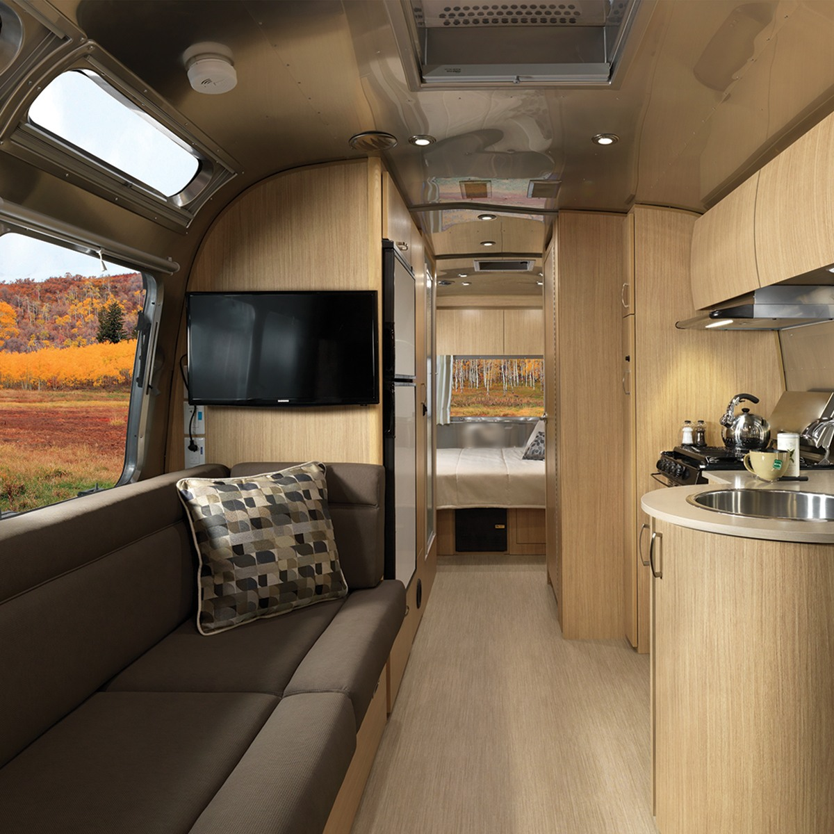 Floor Plans | Flying Cloud | Travel Trailers | Airstream
