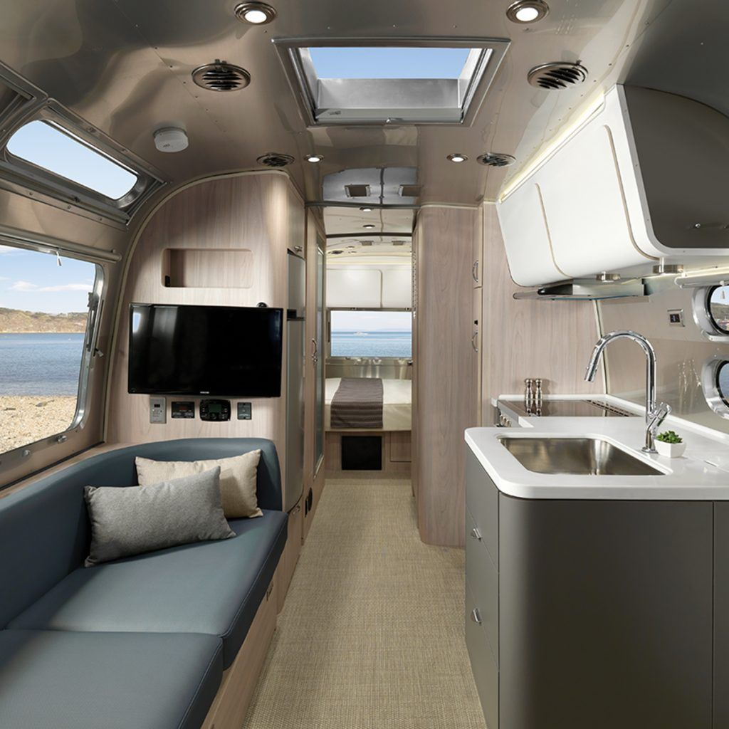 2019 Globetrotter 25FB_Decor-Interior_Barcelona Blue_B2F_WEB