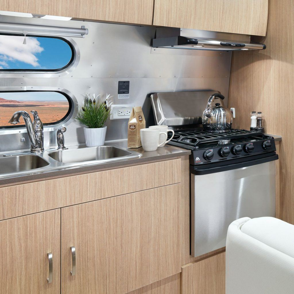 FlyingCloud-Sub-Floorplan-23FB-2-Kitchen