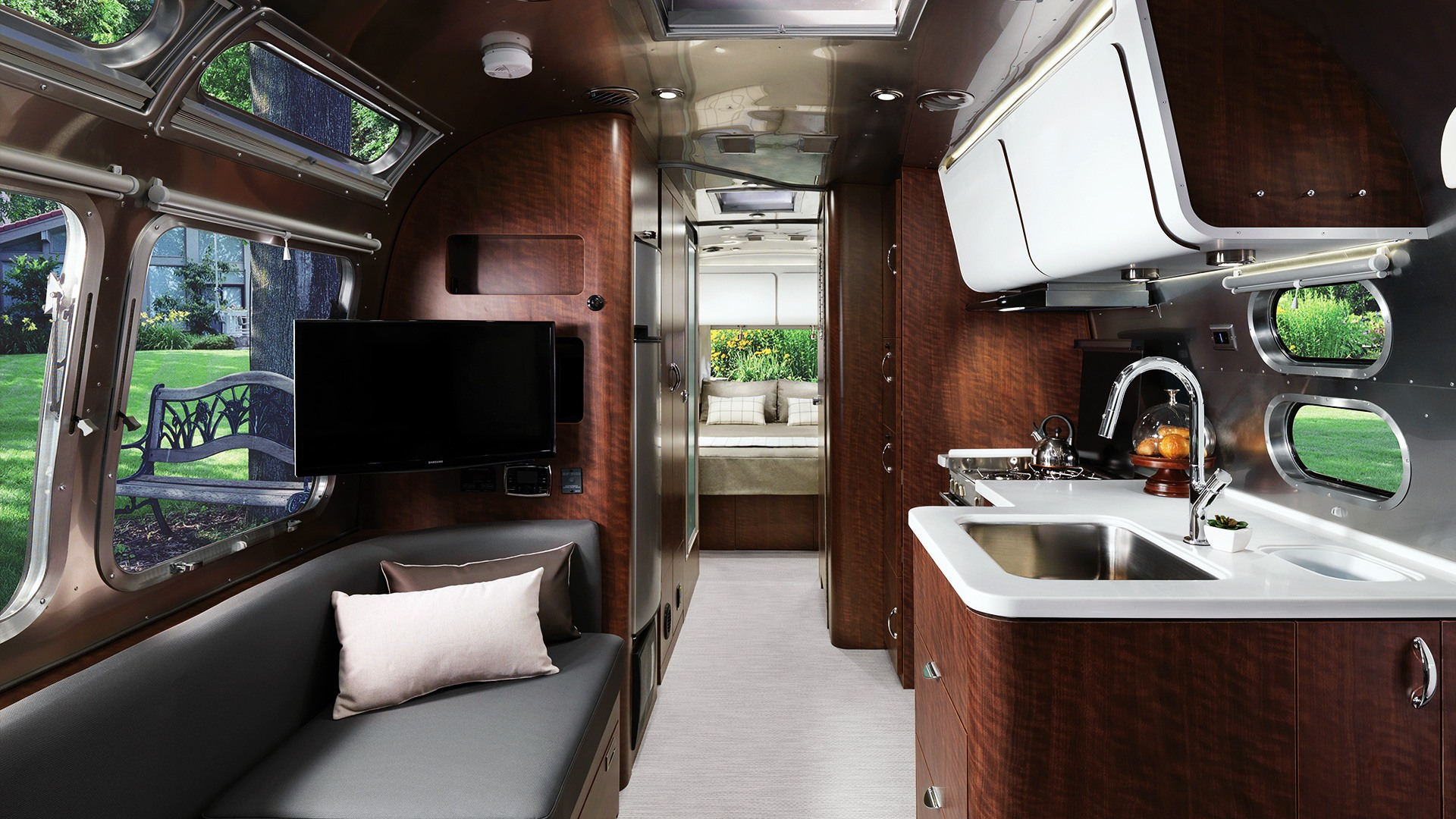 Airstream Travel Trailers >> Globetrotter | Travel Trailers | Airstream