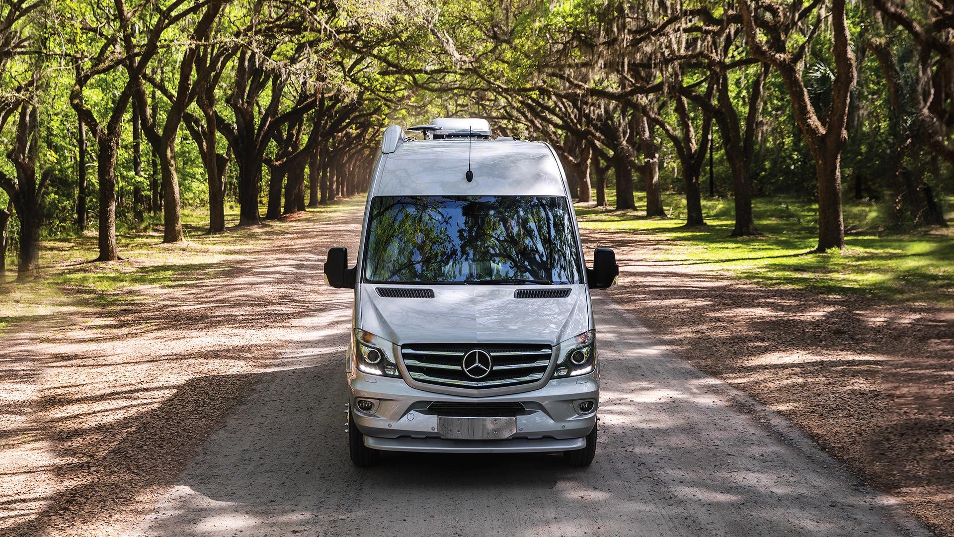 Mercedes Tour Van >> 2019 Airstream Interstate Lounge Ext
