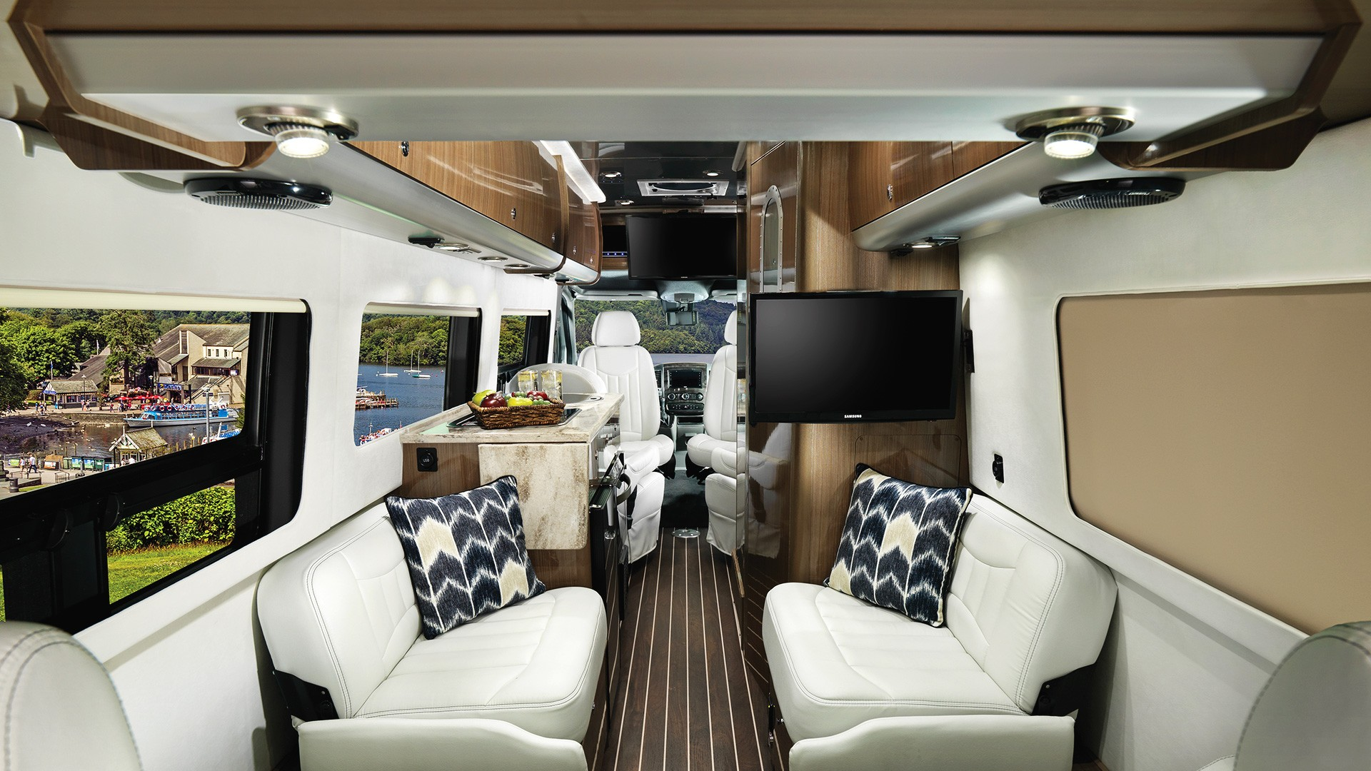 2019 Airstream Interstate Lounge EXT