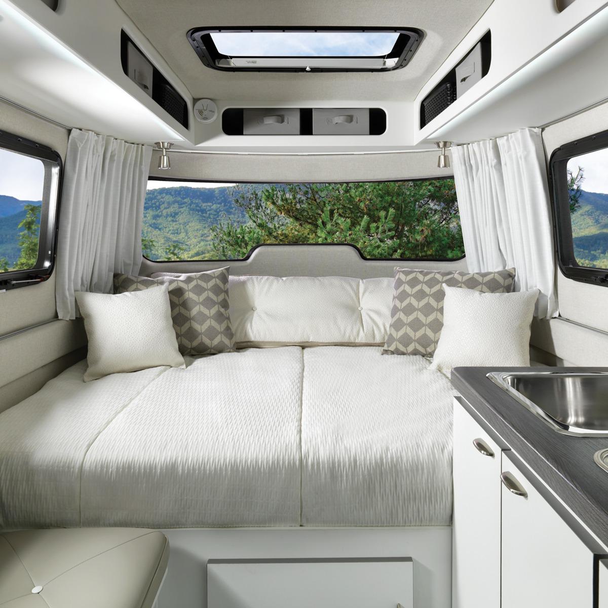 Nest 16fb Premier Floor Plan Travel Trailers Airstream Fiberglass Rv