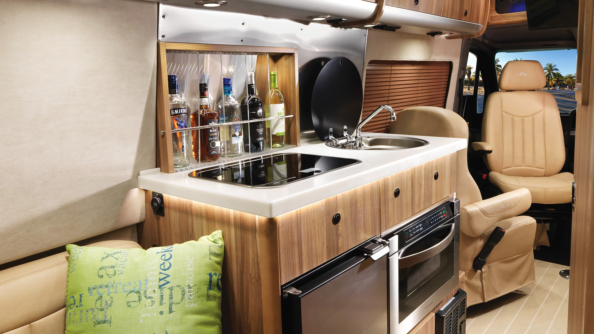 2019 Airstream Tommy Bahama® Interstate