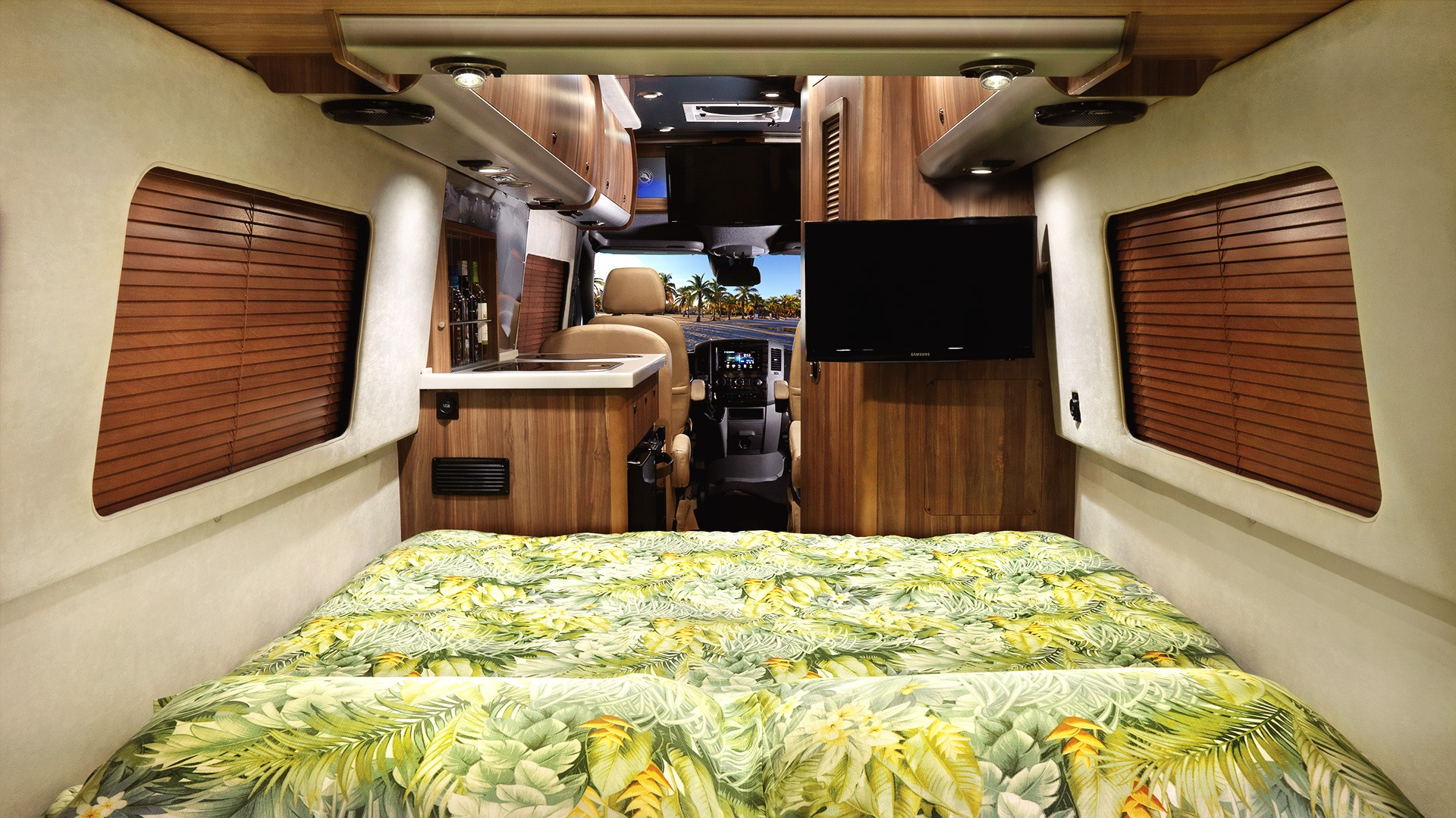 Tommy Bahama Special Edition Interstate Touring Coaches