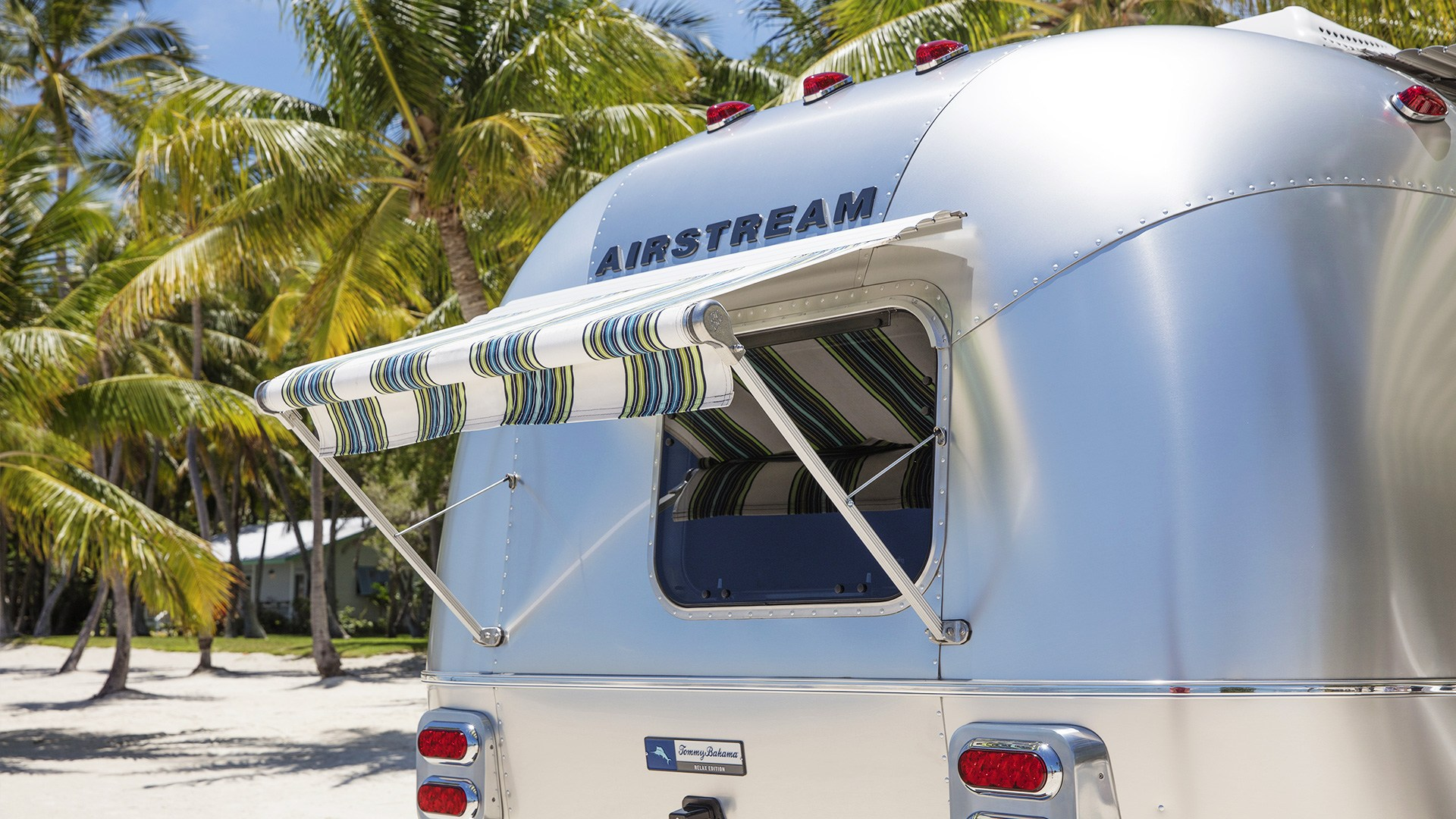 9147f34073 Tommy Bahama Special Edition Travel Trailer