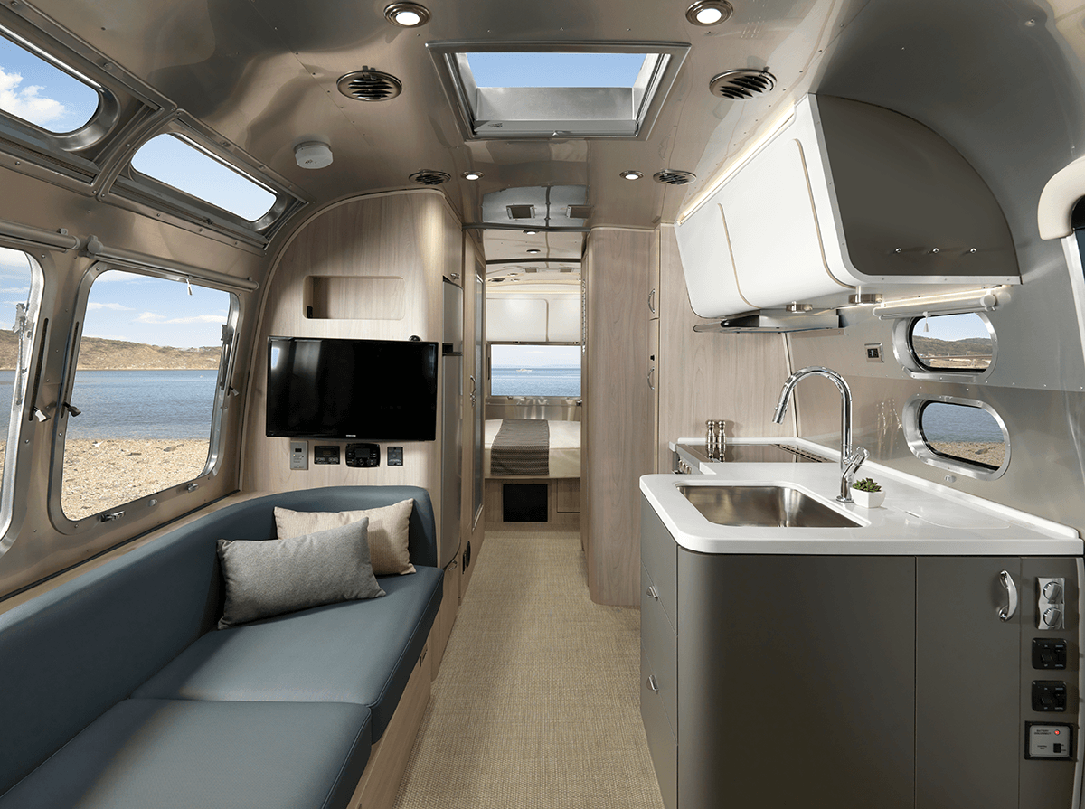 Introducing the all-new 25-foot Airstream Globetrotter