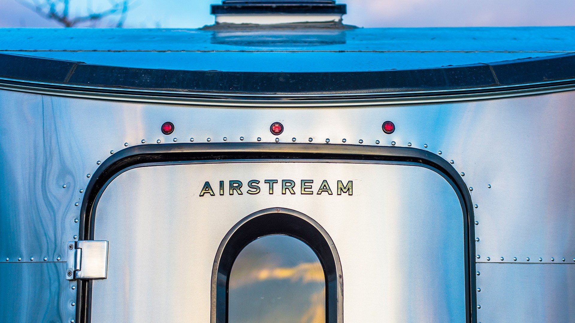Airstream-Basecamp-Ballet-blog-feature-1