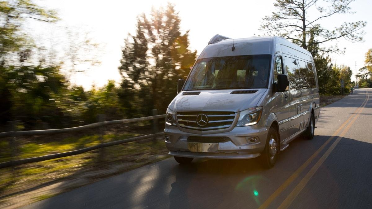 Mercedes Tour Van >> 2019 Airstream Interstate Grand Tour Ext
