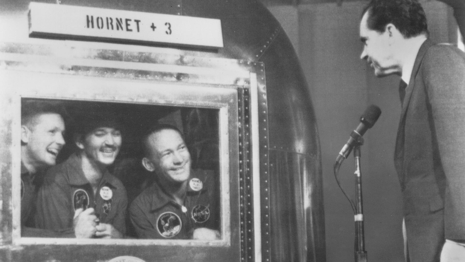 22-Heritage-History-Gallery-60s-1969-NixonAndAstronauts