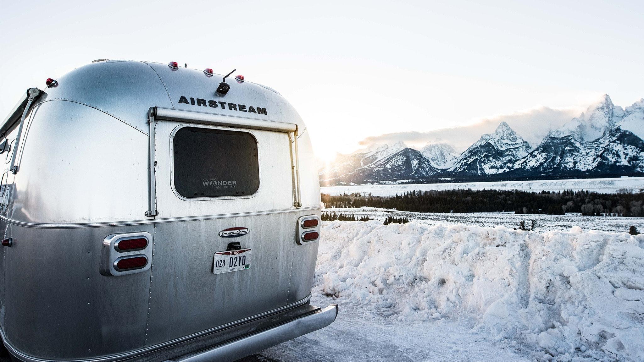 Airstream-Endless-Caravan-Winter-Camping-1.0-feature
