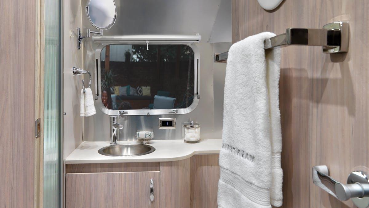 Globetrotter 23FB Bathroom