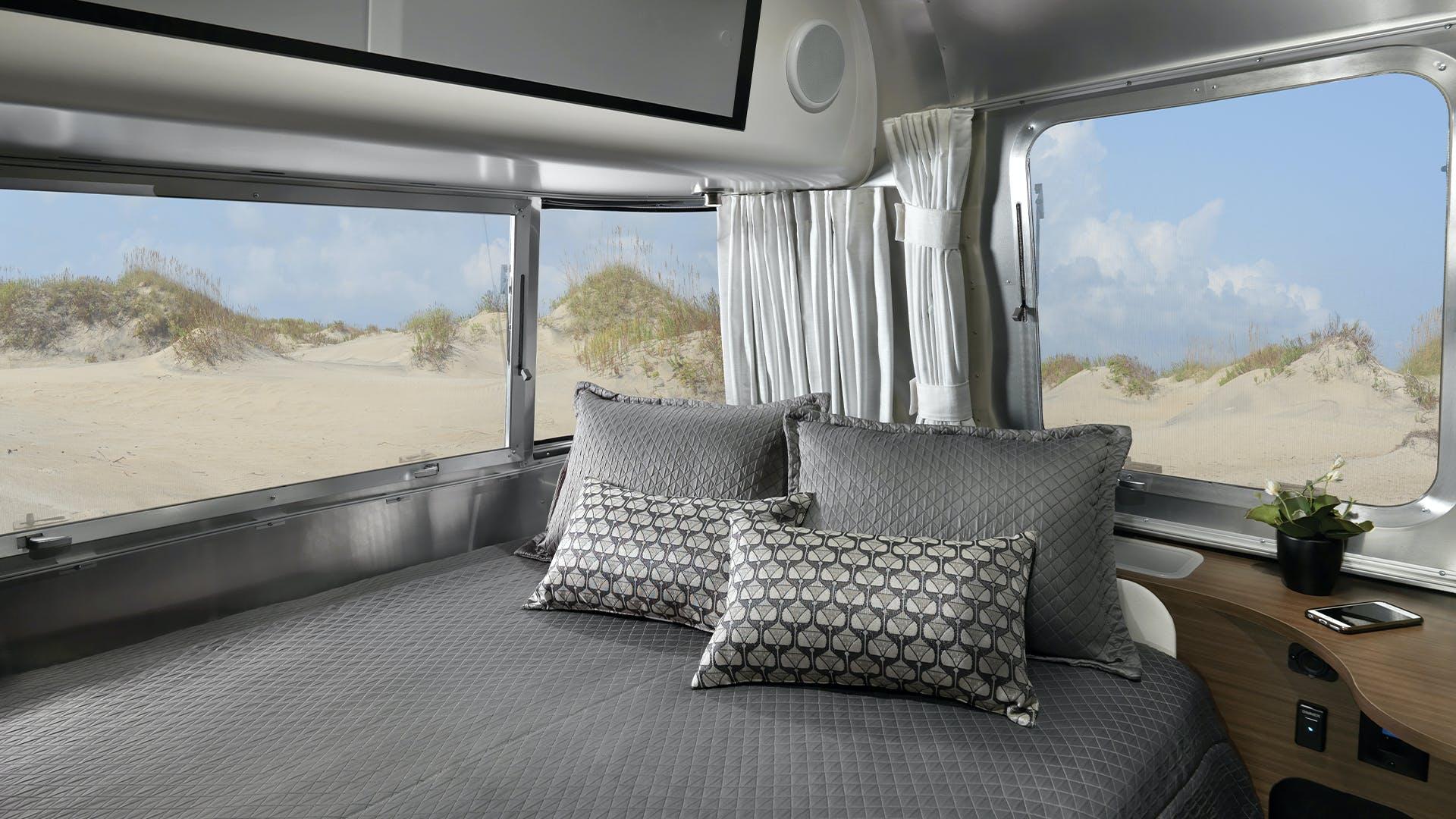 Caravel 22FB Interior Bedroom