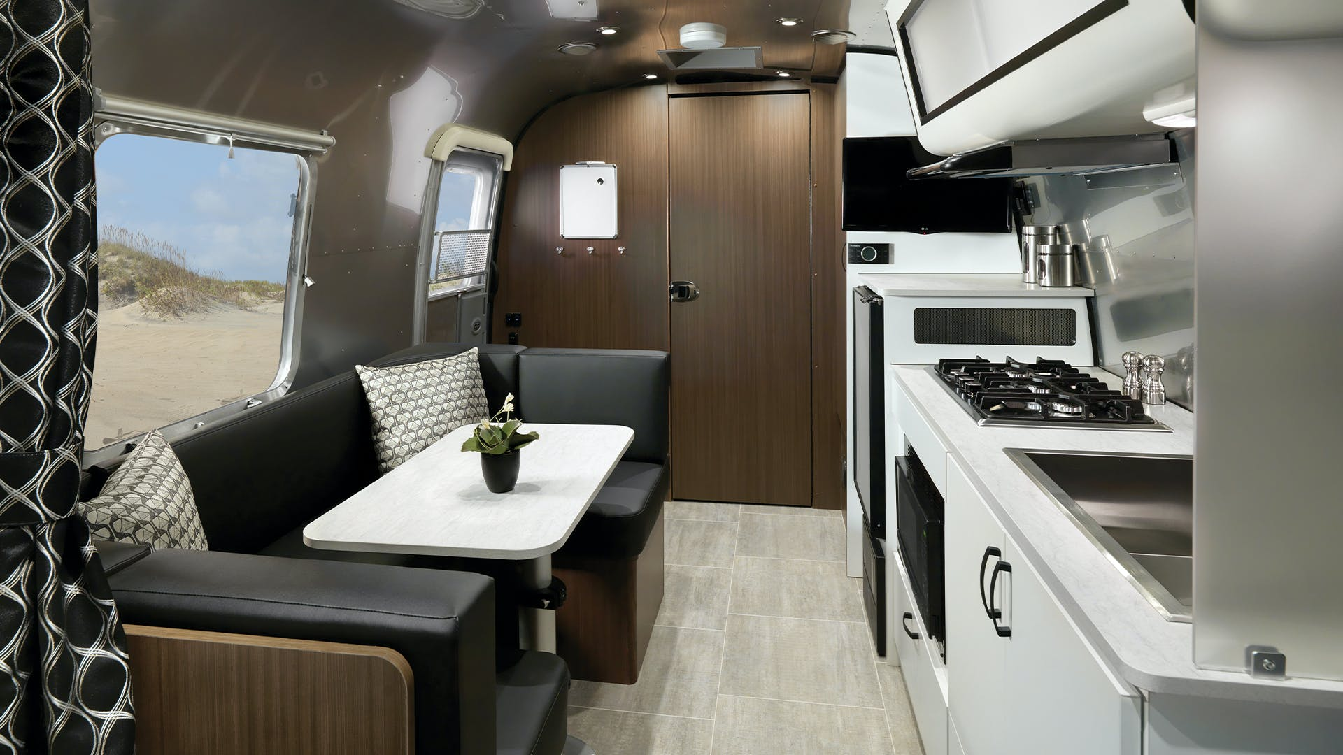 Caravel 22FB Interior