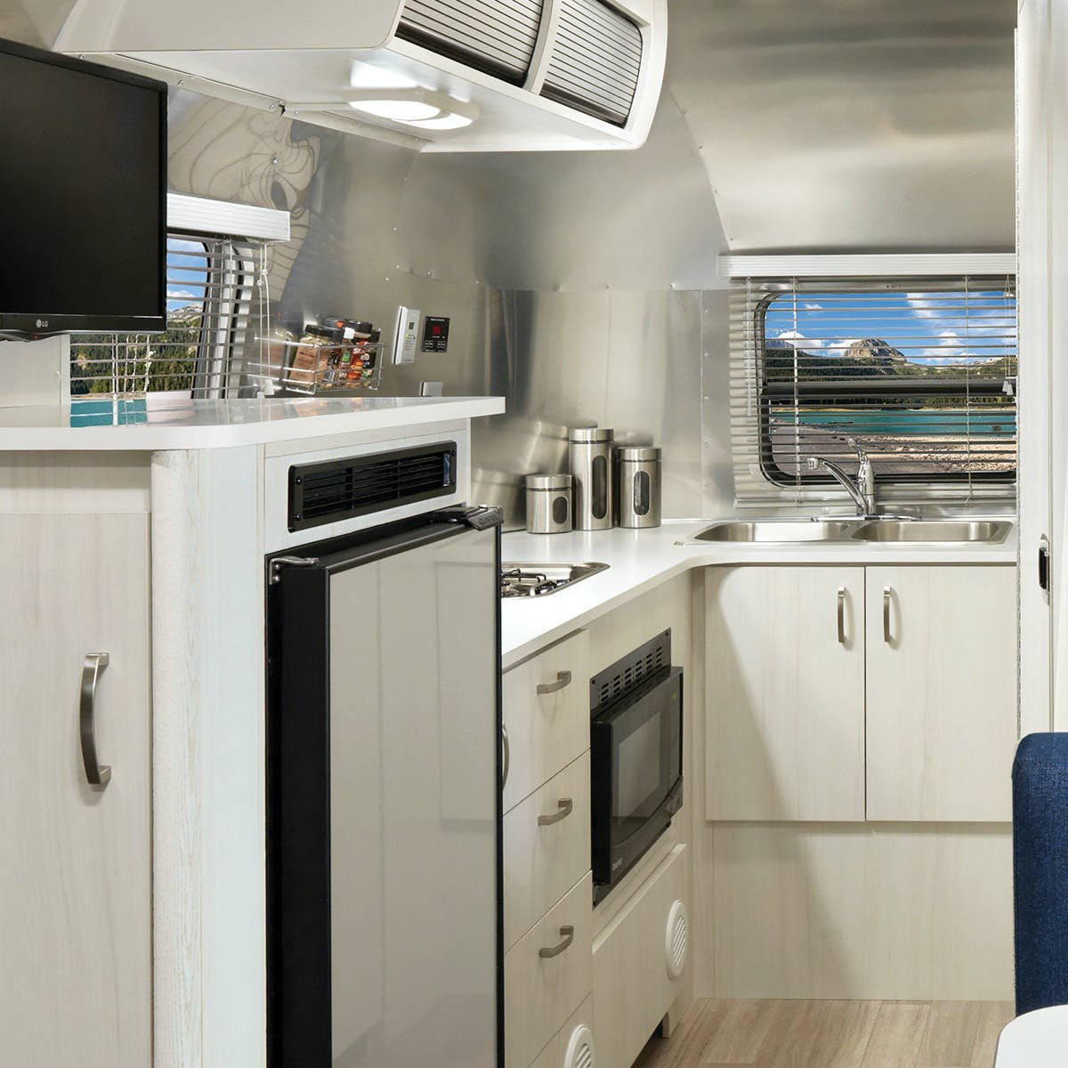 Bambi 20FB Kitchen Ocean Interior