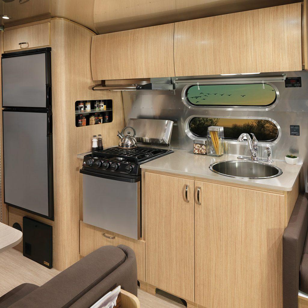 FlyingCloud-Sub-Floorplan-28RB-Truffle-Kitchen