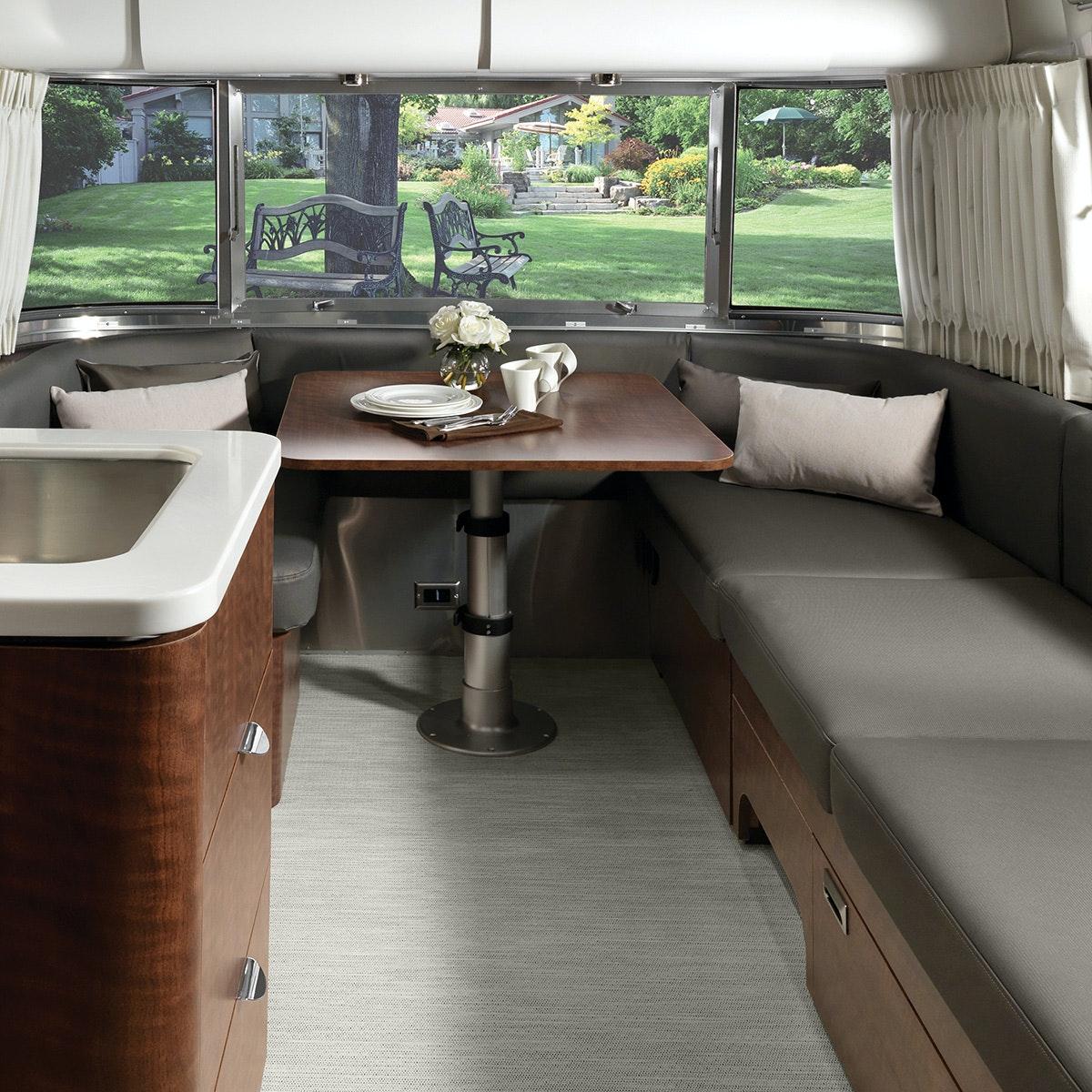 Globetrotter 27FB Floor Plan   Travel Trailers   Airstream