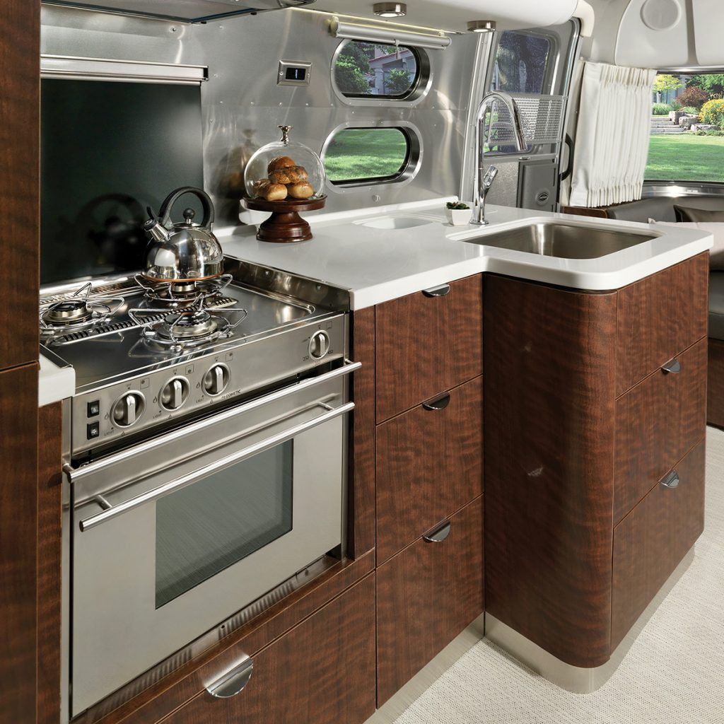 Globetrotter-Sub-Floorplan-Individual-27FB-DublinSlate-Kitchen
