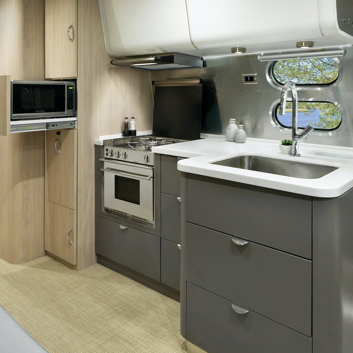 Globetrotter 27FB London Grey Kitchen