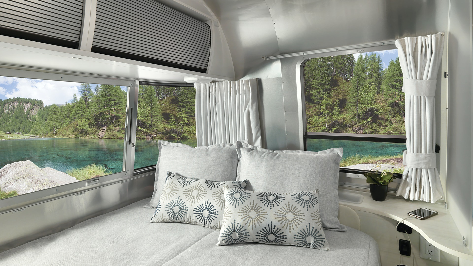 2020 Airstream Bambi Travel Trailer Bed