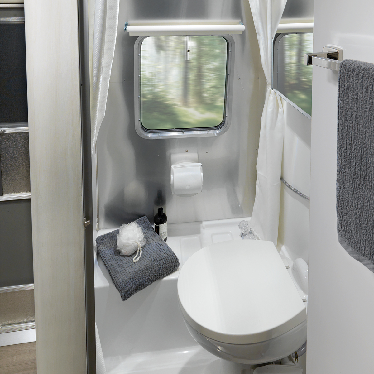 Bambi 16rb Floor Plan Travel Trailers Airstream