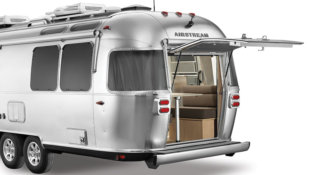 Airstream Flying Cloud 2020 27FB Rear Hatch
