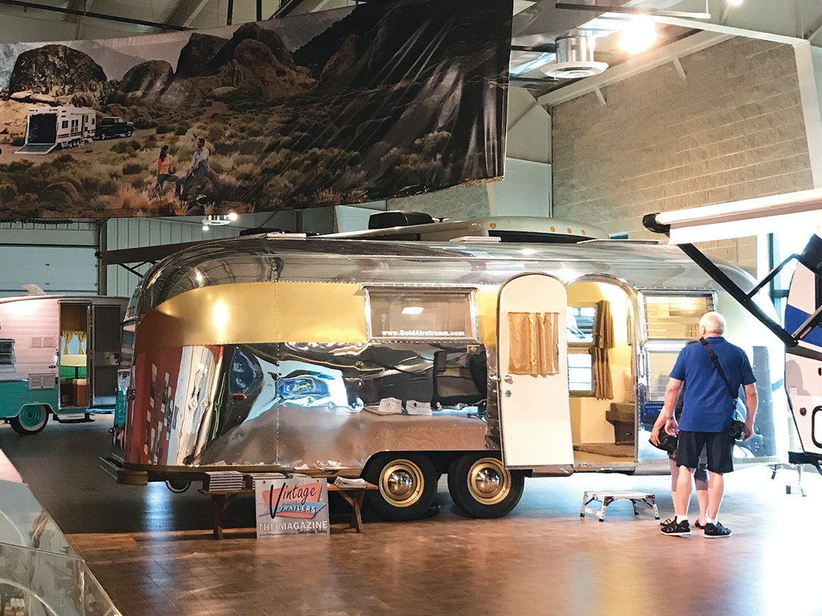 Setup and Take Down Your Manual Awning | Airstream