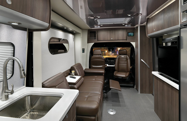 2020 Atlas Interior B2F Refined Brown Recliner WEB
