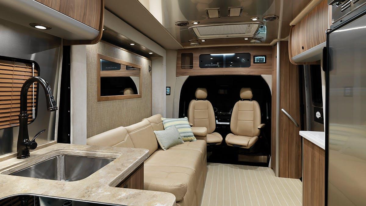 Airstream-Atlas-Tommy-Bahama-Lounge-Interior