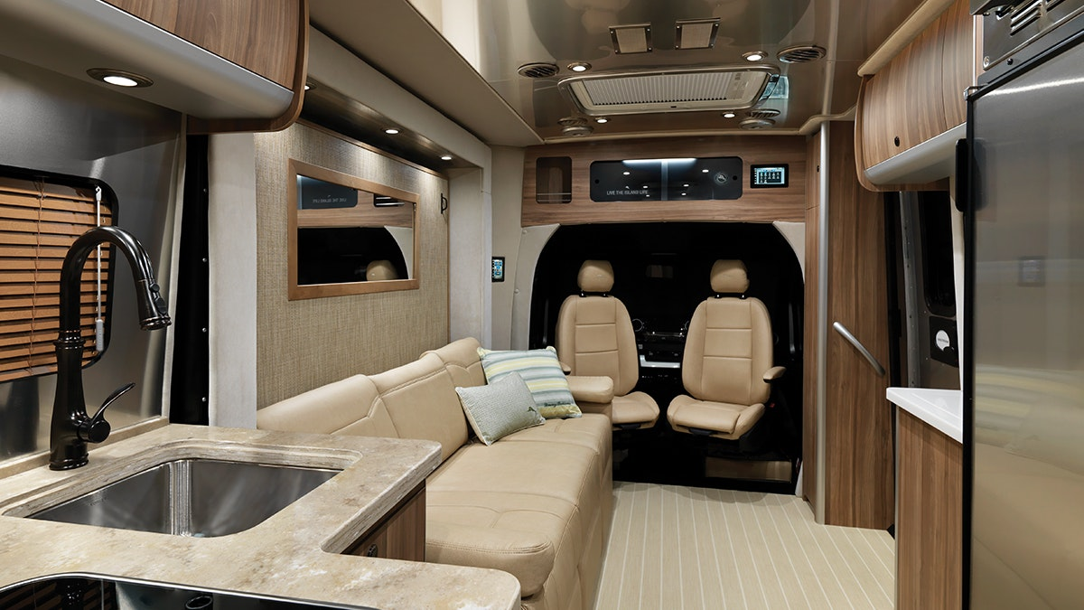 Airstream-Atlas-Tommy-Bahama-Lounge-Interior