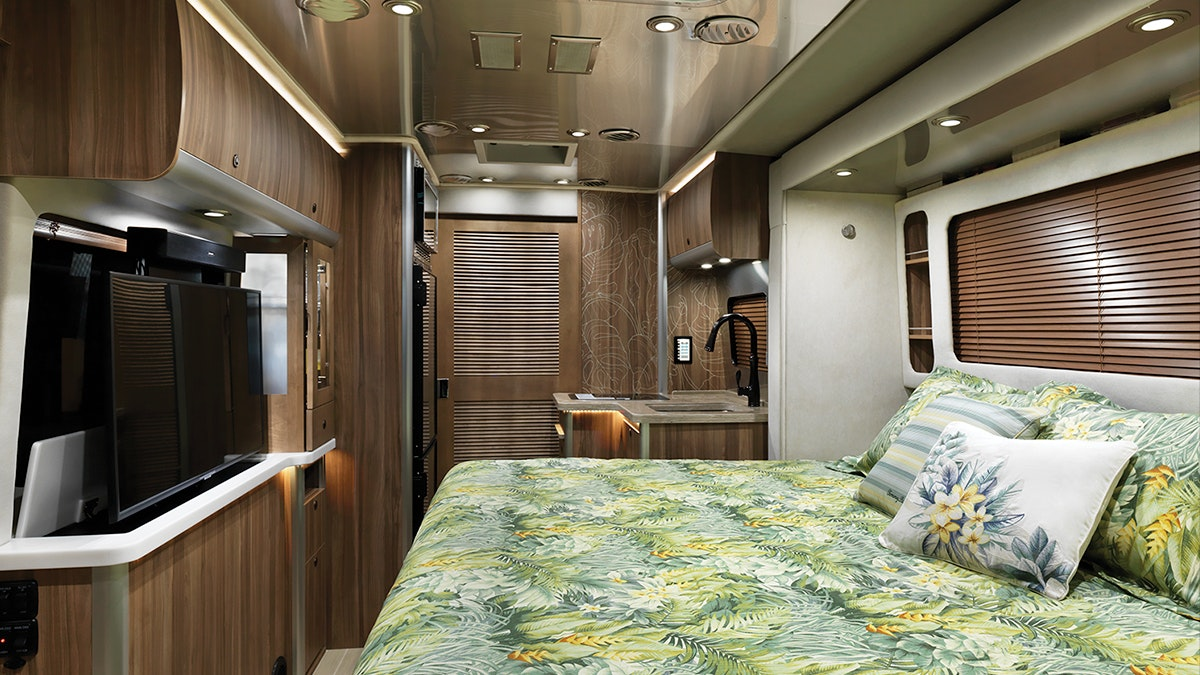 Airstream-Tommy-Bahama-Interior-Photo-Bed-Down