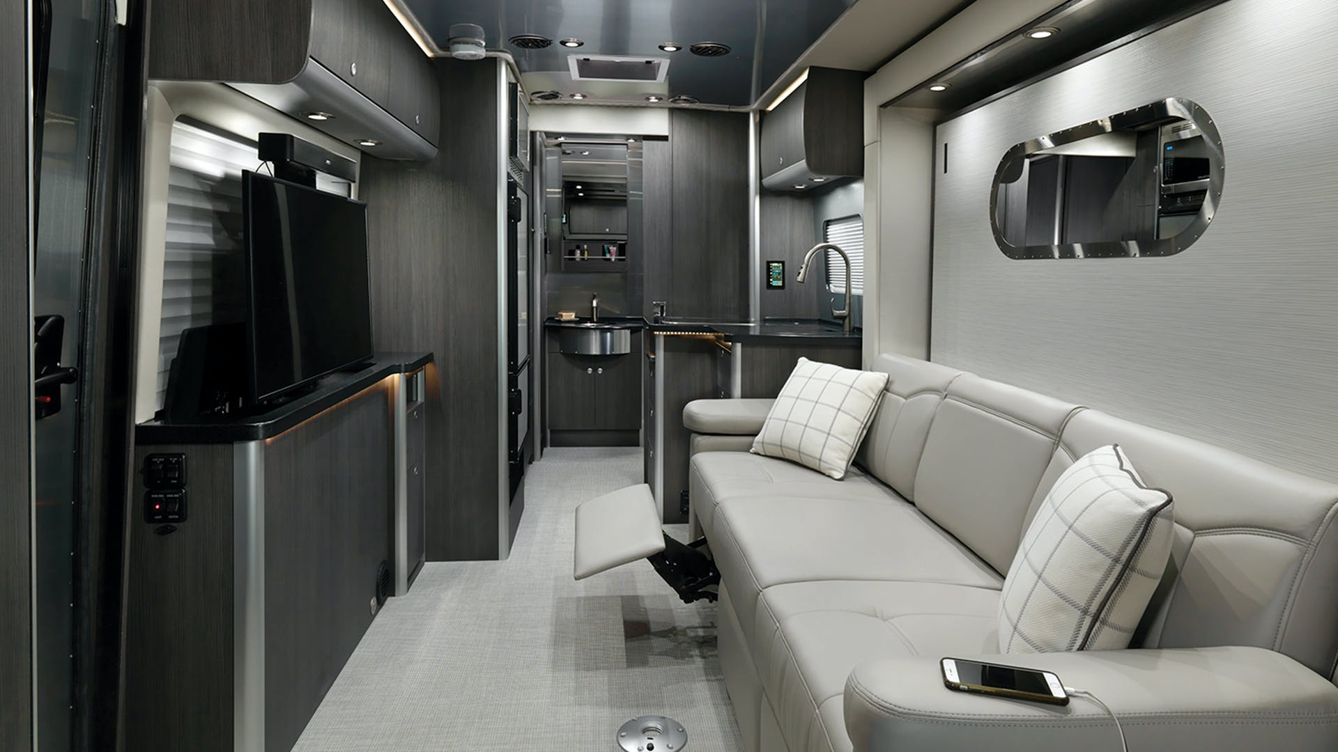 Atlas Touring Coaches Airstream