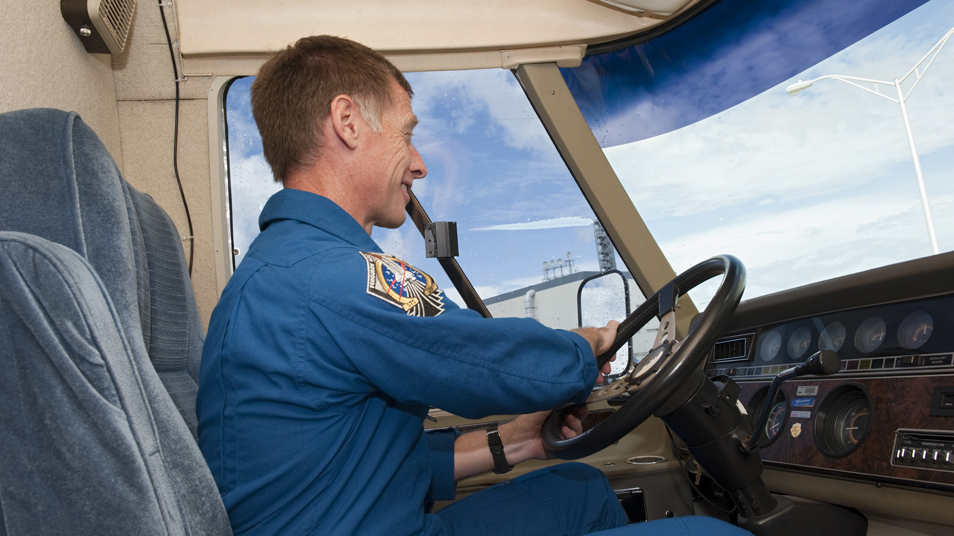 Airstream-Astrovan-and-Astronaut-Chris-Ferguson