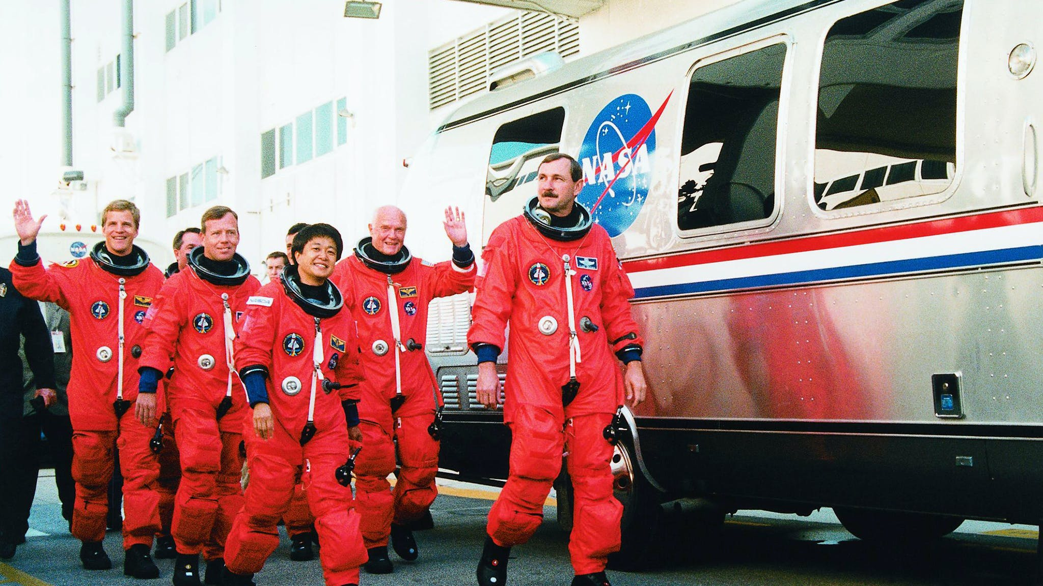 Airstream-Astrovan-and-NASA-astronauts