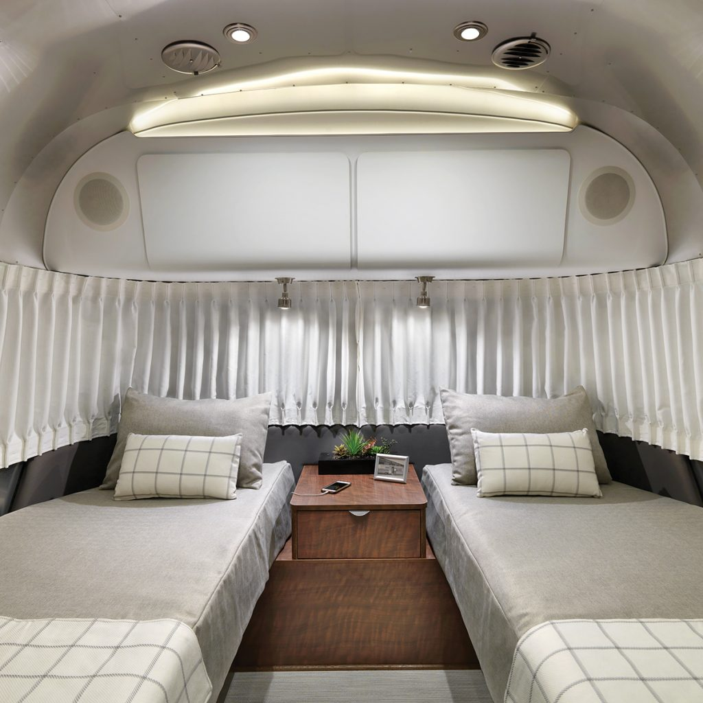 Airstream-Globetrotter-30RB-Twin-Dublin-Slate-Twin-Bed-Interior