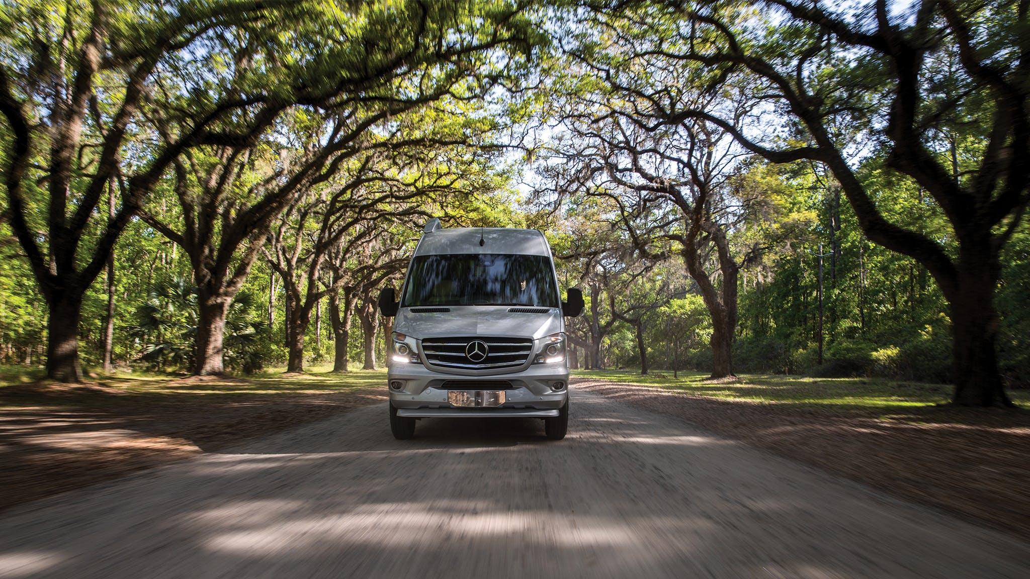 Airstream-Touring-Coach-Paying-it-Forward-blog-desktop-header