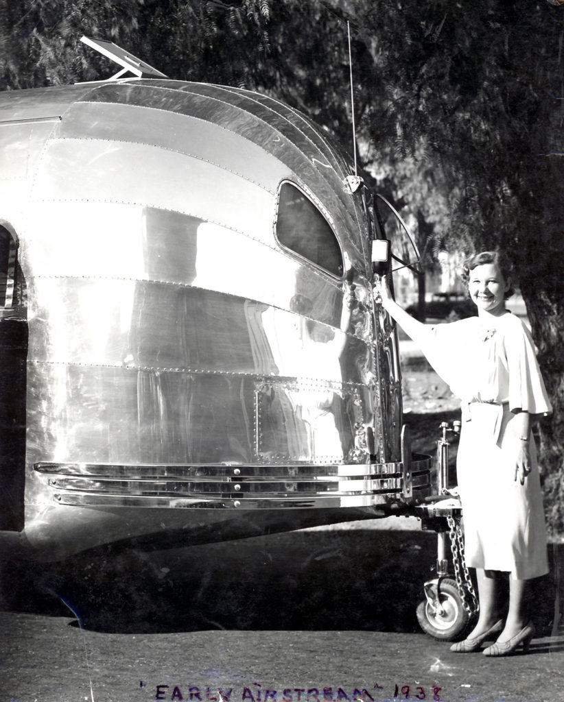 1938-Airstream-Clipper-Champagne-Christening