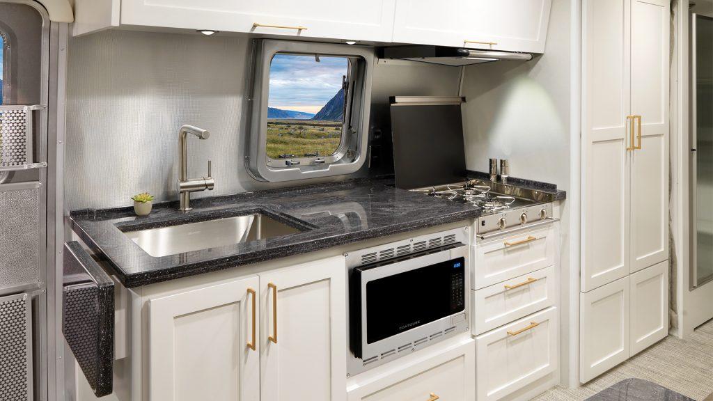 Airstream-Classic-30RB-Comfort-White-Kitchen