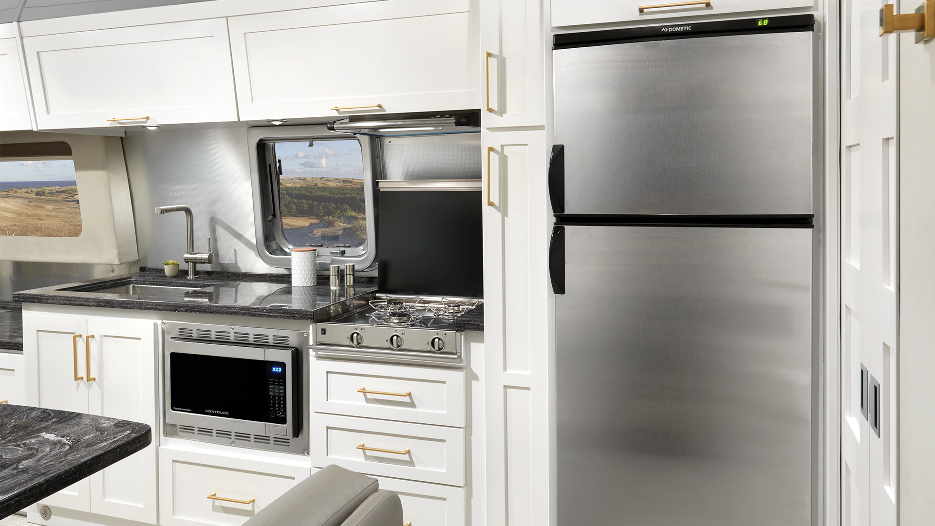 Airstream-Classic-33FB-Interior-Comfort-White-Kitchen