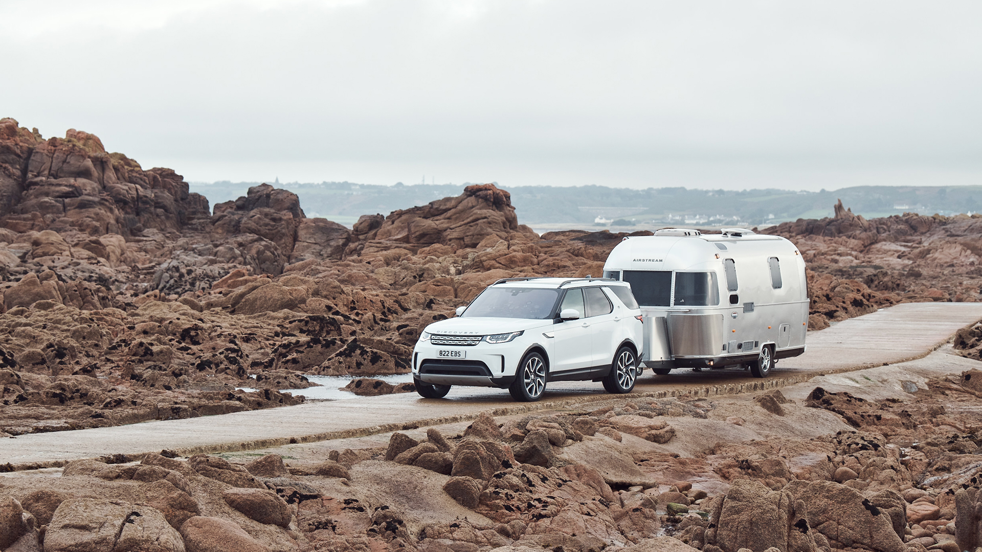 Airstream-International-Travel-Trailer-with-Land-Rover-Technology