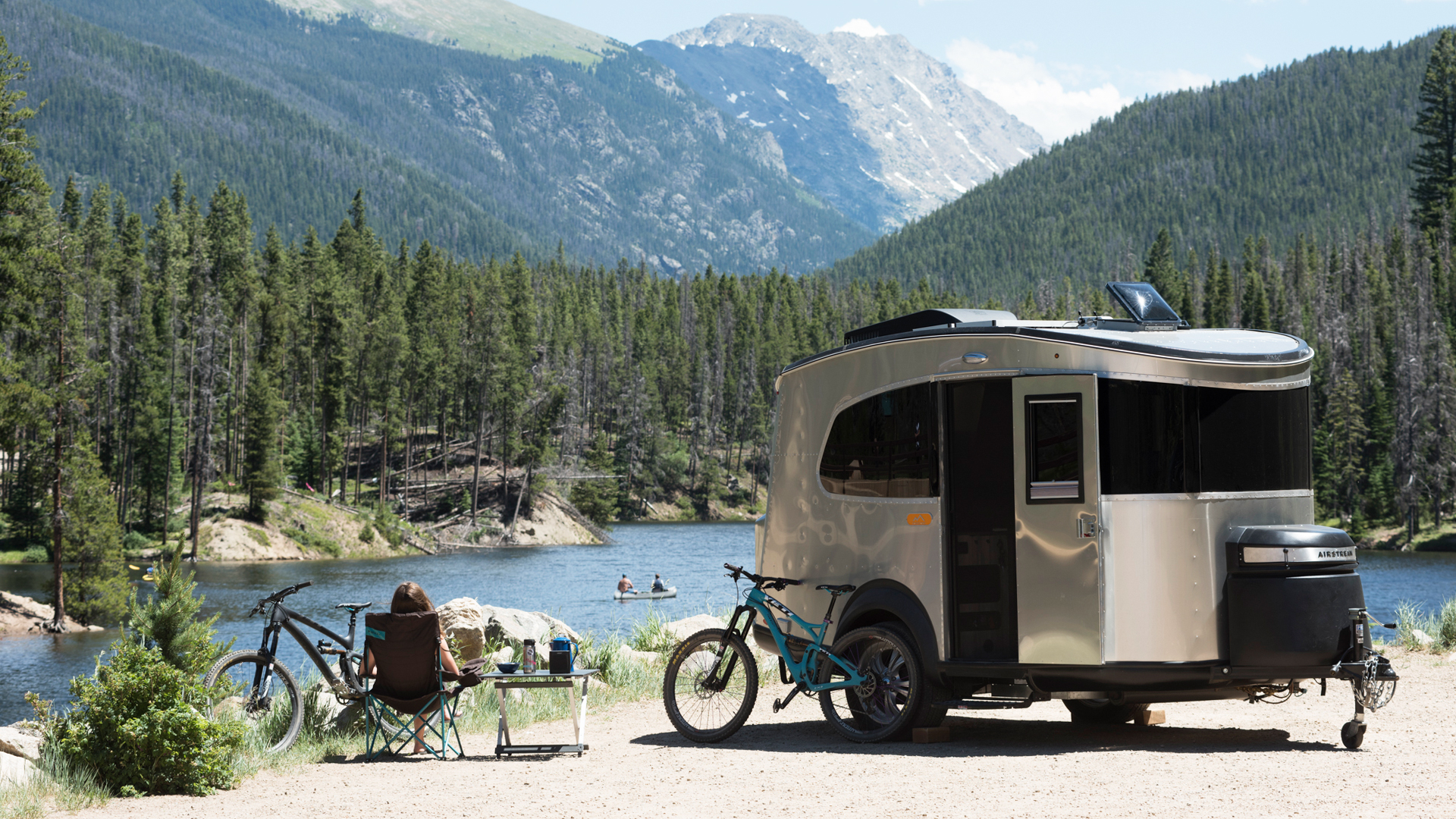 Airstream-Basecamp-Lifestyle-Lake-and-Mountains