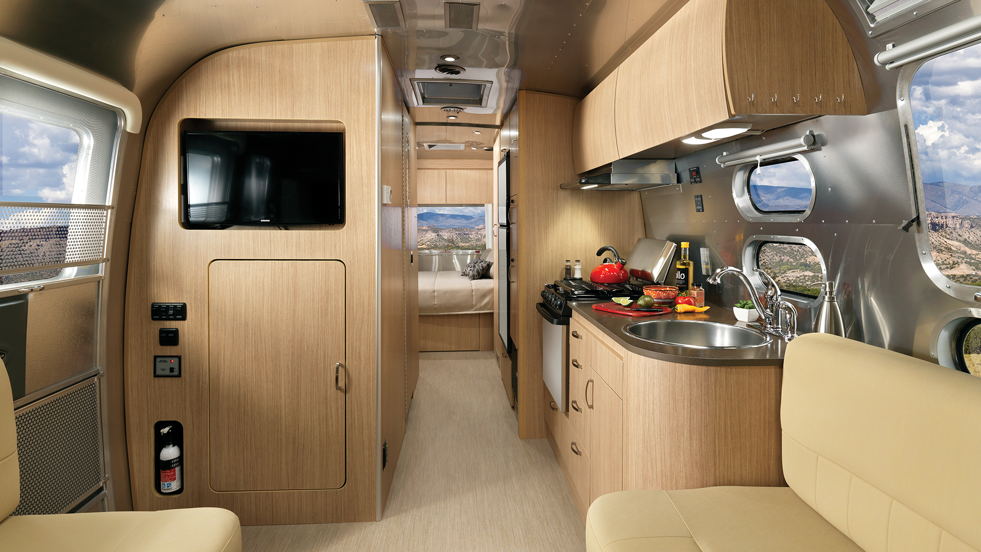 Airstream-Flying-Cloud-26RB-Front-to-Back-Interior-Travel-Trailer