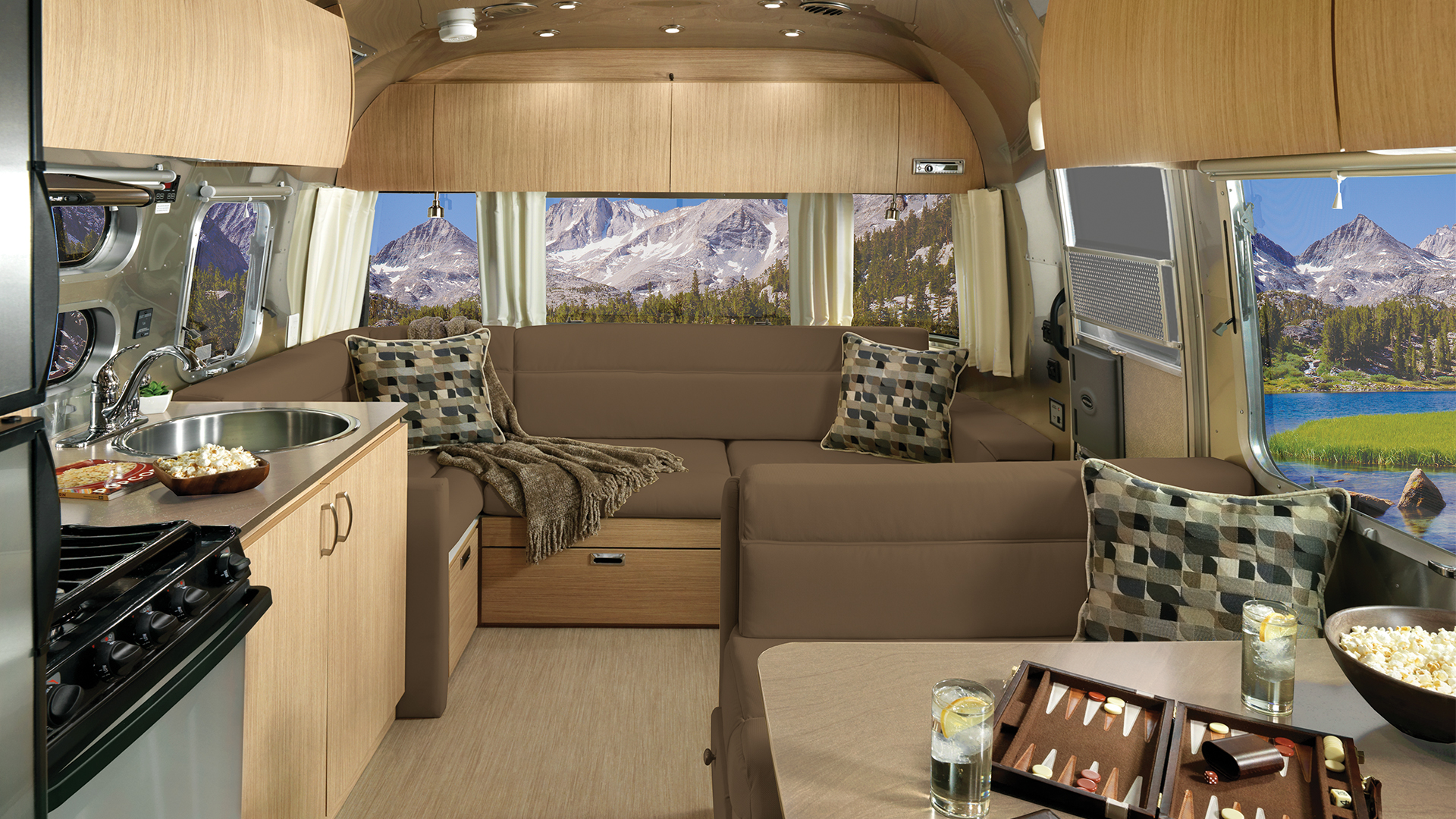 Airstream-Flying-Cloud-28RB-Back-to-Front-Interior-Lounge