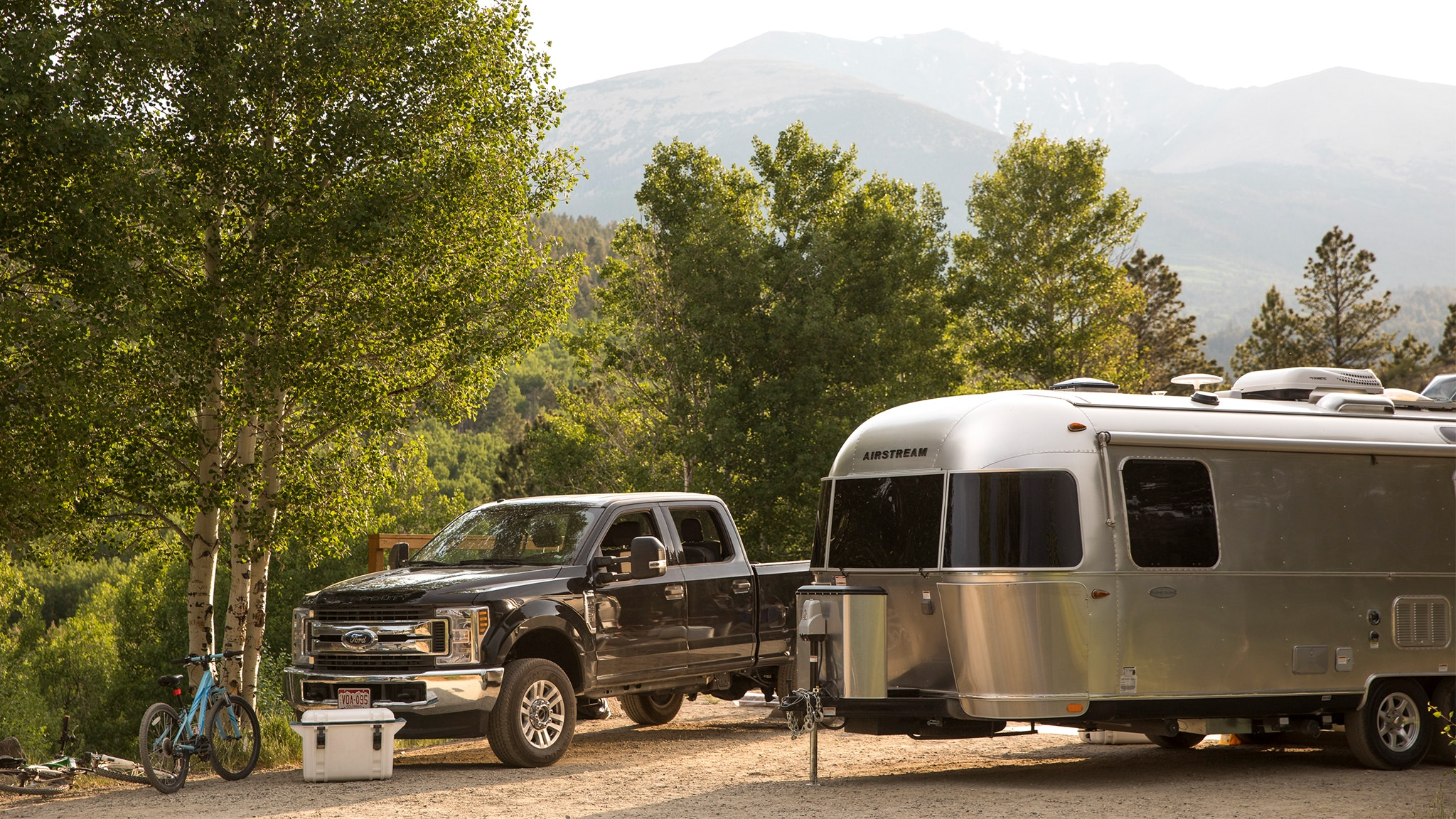 Airstream-List-of-Essential-Travel-Items-from-Airstreamers-Desktop-Feature
