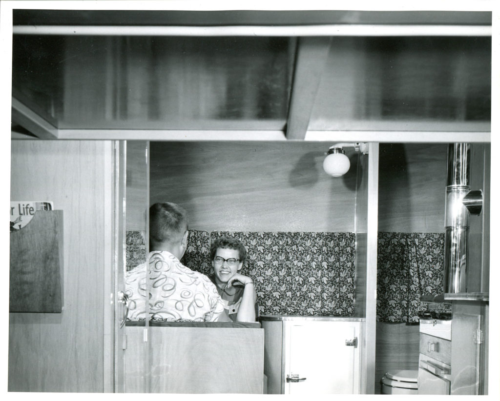 1954-002-Holiday Interior