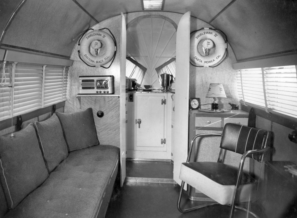 Nautical Clipper Interior (2)