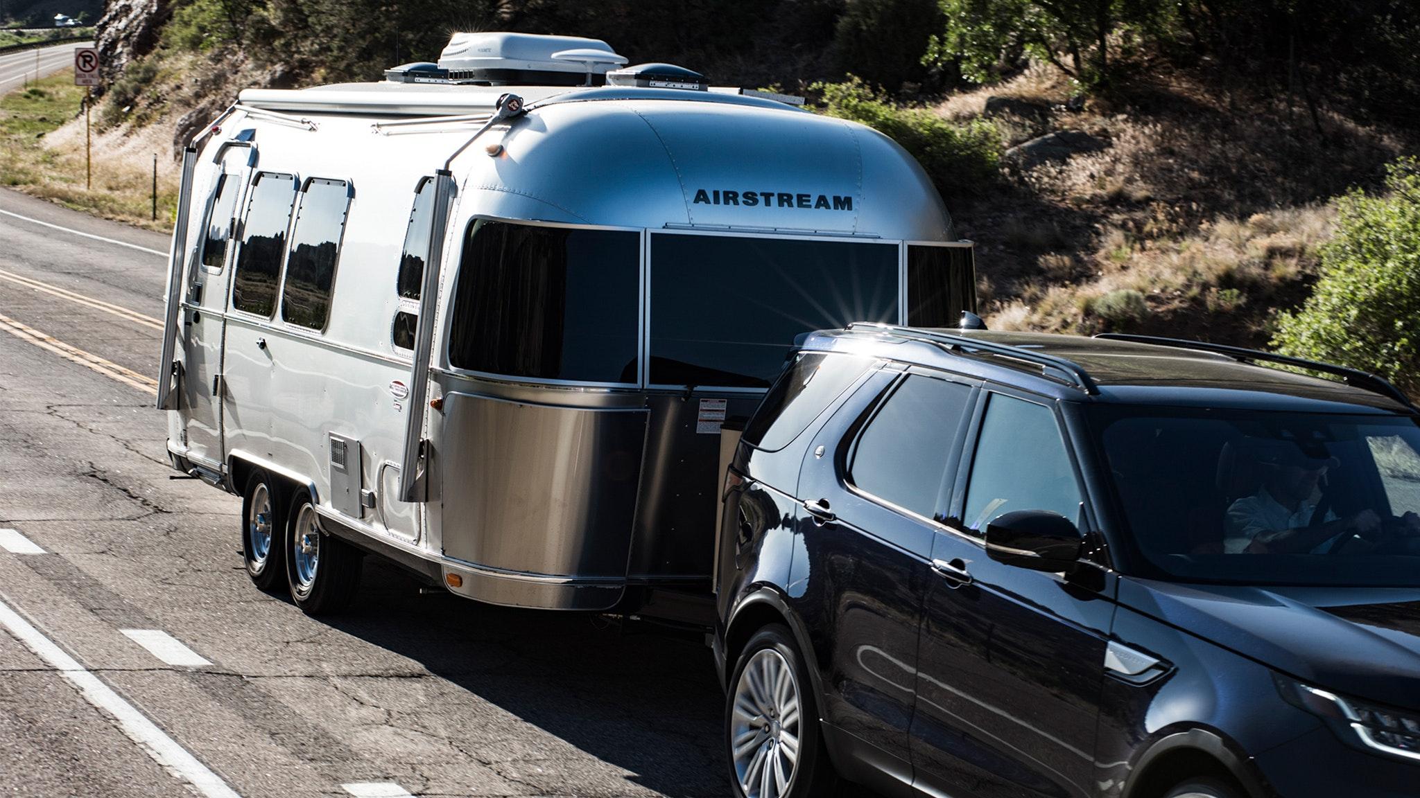 Airstream-Double-Axle-vs-Single-Axle-Blog-Desktop-Feature